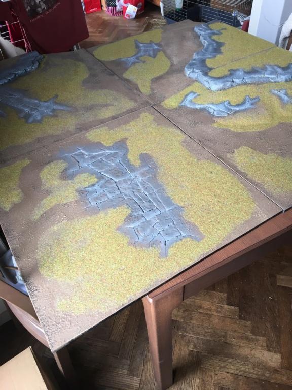 [Vente] Armées RDT et Elfes noirs + Mallette + Table de jeu Img_1111