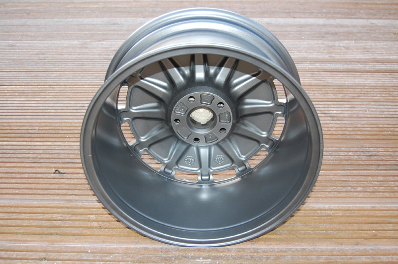 "17"" Audi monos - just refurbed... AWESOME! Mono_b10"