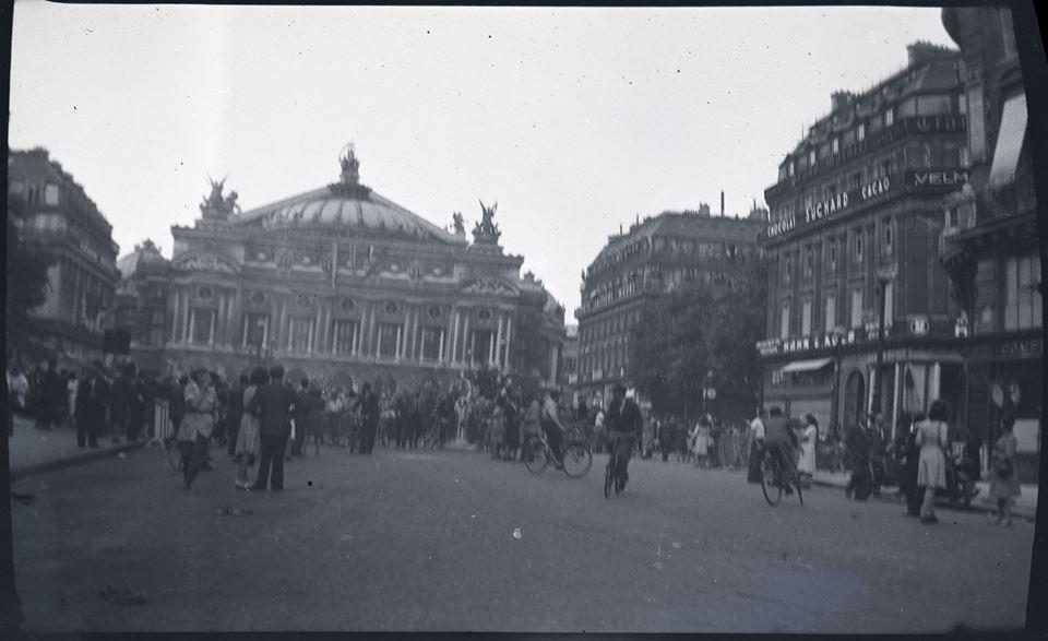 Des négatifs de la libération de Paris.  38211810
