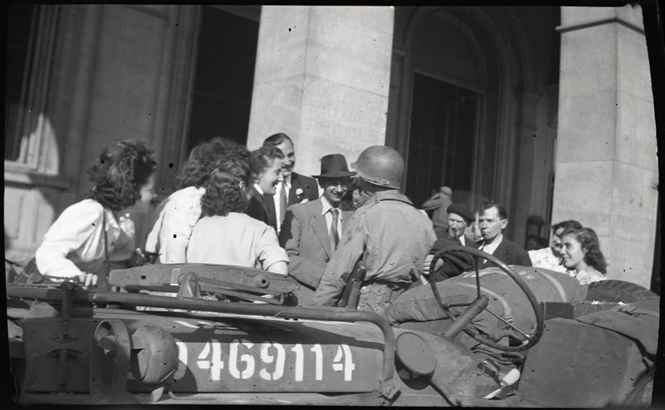 Des négatifs de la libération de Paris.  38391310