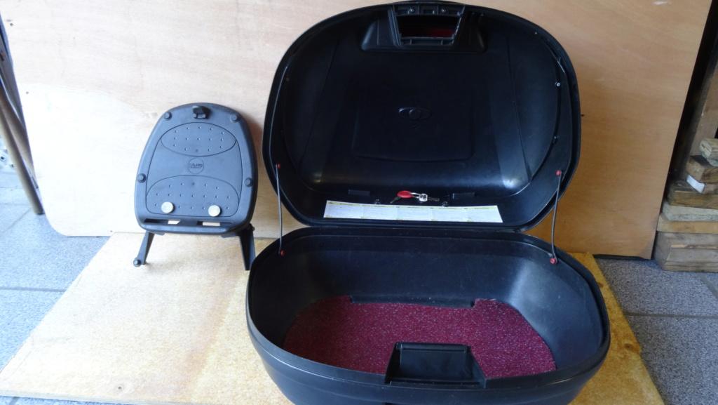 Top case Givi Simply 47L + platine  + supports Fuoco Dsc03323