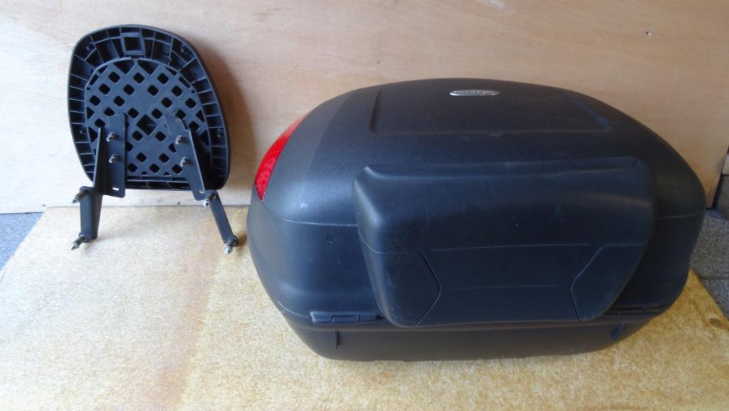 Top case Givi Simply 47L + platine  + supports Fuoco Dsc03324