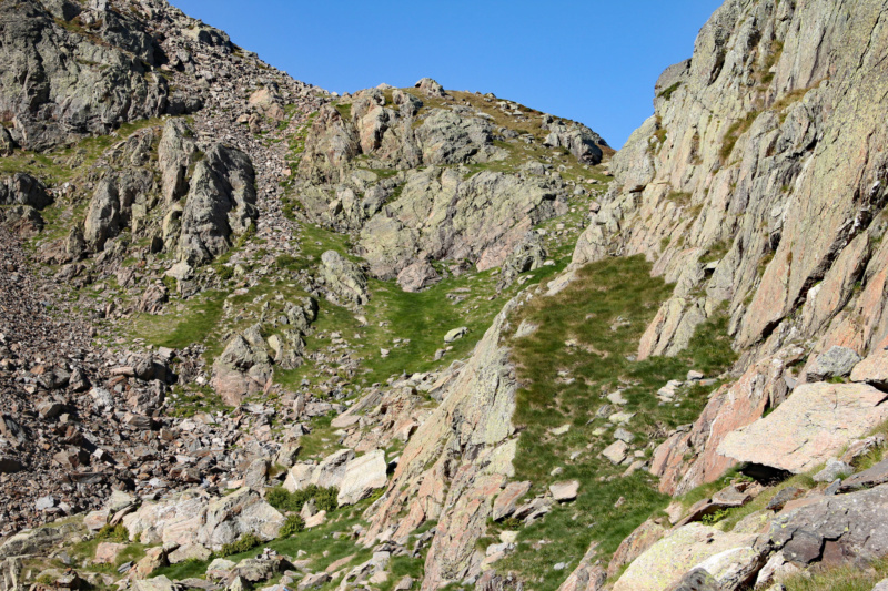 La petite montagne... Img_1619