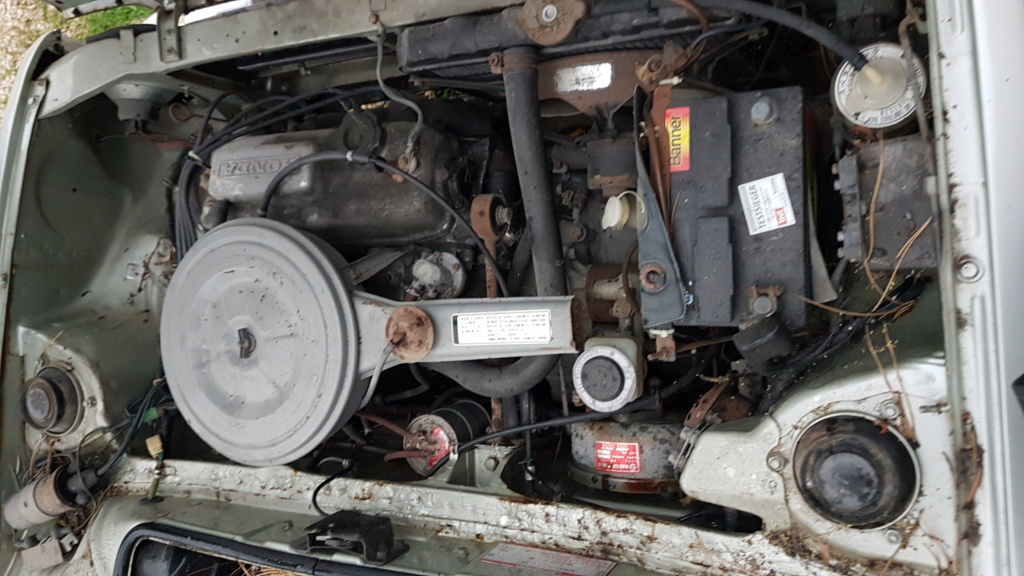 Enfin j'en ai une .. Honda CIVIC SB1 de 1977 1ère génération 20180192