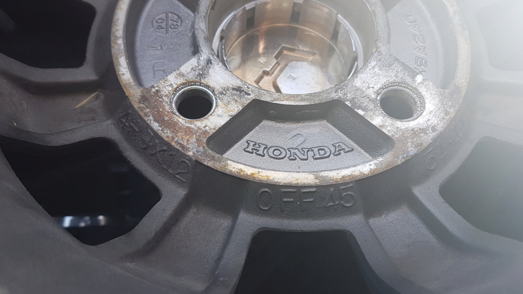 Enfin j'en ai une .. Honda CIVIC SB1 de 1977 1ère génération 20180246