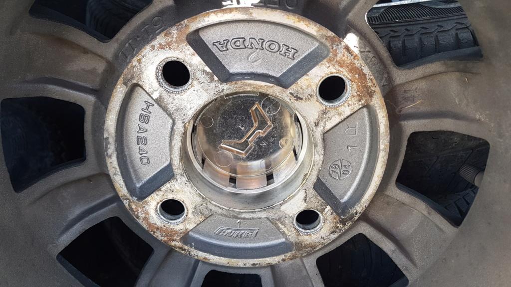 Enfin j'en ai une .. Honda CIVIC SB1 de 1977 1ère génération 20180248