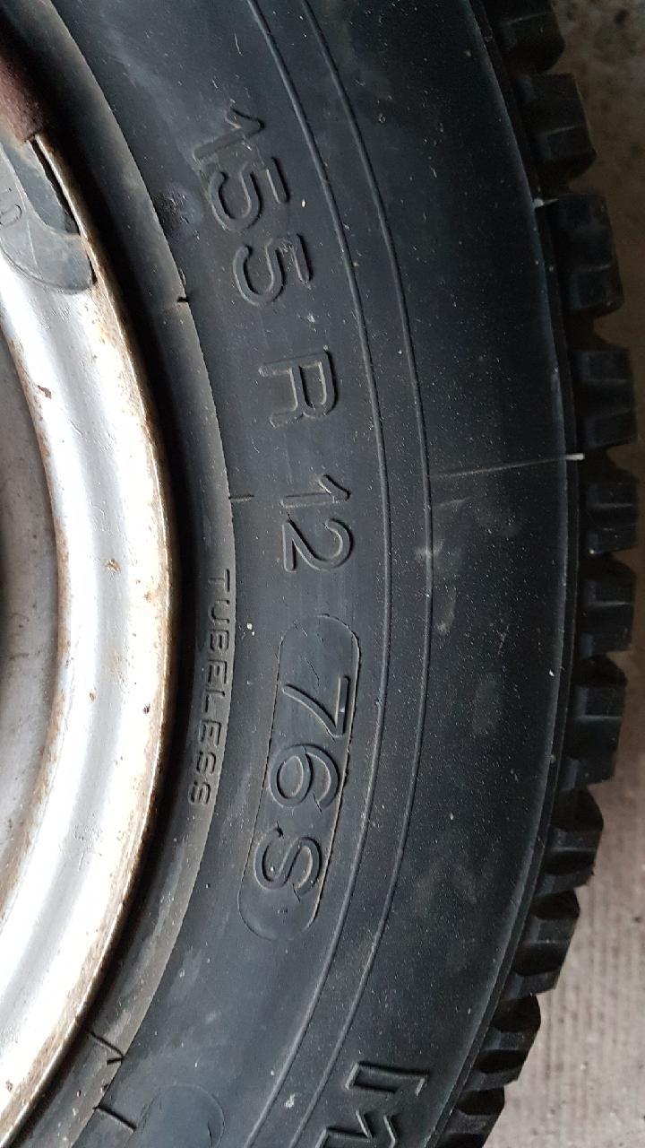 Enfin j'en ai une .. Honda CIVIC SB1 de 1977 1ère génération Resize10