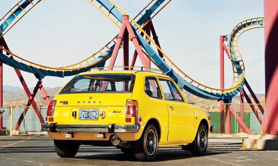 Enfin j'en ai une .. Honda CIVIC SB1 de 1977 1ère génération Teaser11