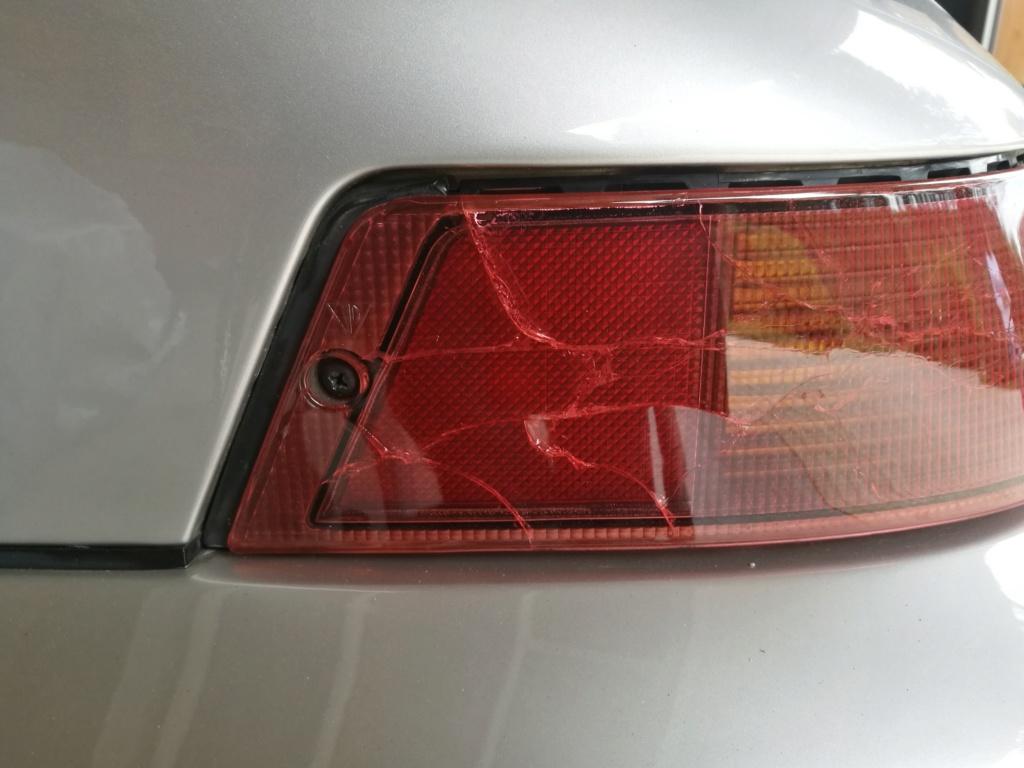 Remplacement vitres de feux AR 964.  123