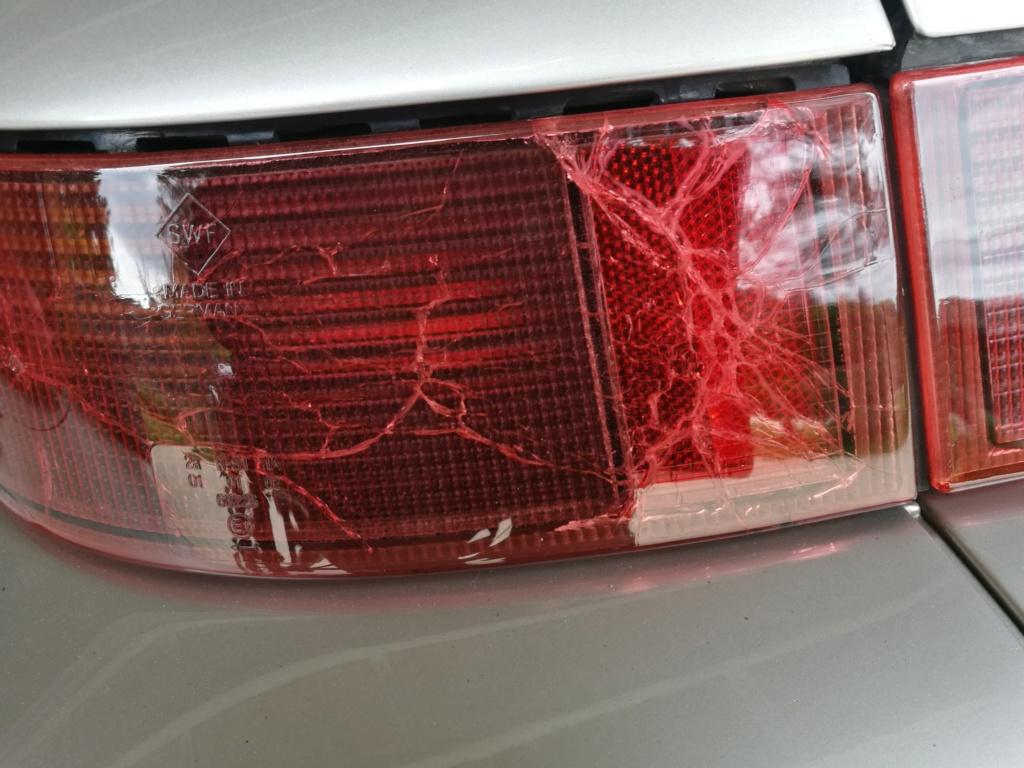 Remplacement vitres de feux AR 964.  229