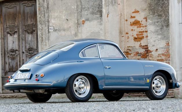Une Belle photo de Porsche - Page 33 Cache_17