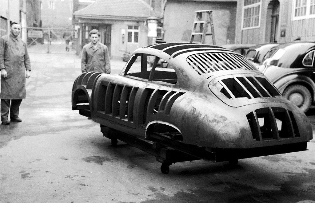 Une Belle photo de Porsche - Page 34 Jppors10