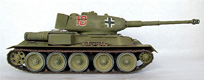 Le T34-85 Beute a canon 8.8cm allemand  (2012) 026