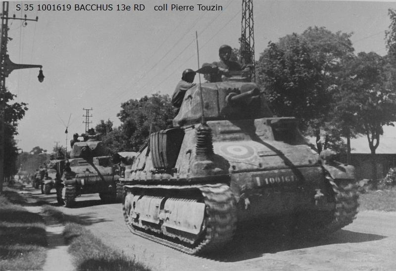 Vehicules recuperes par les FFI -1944 074