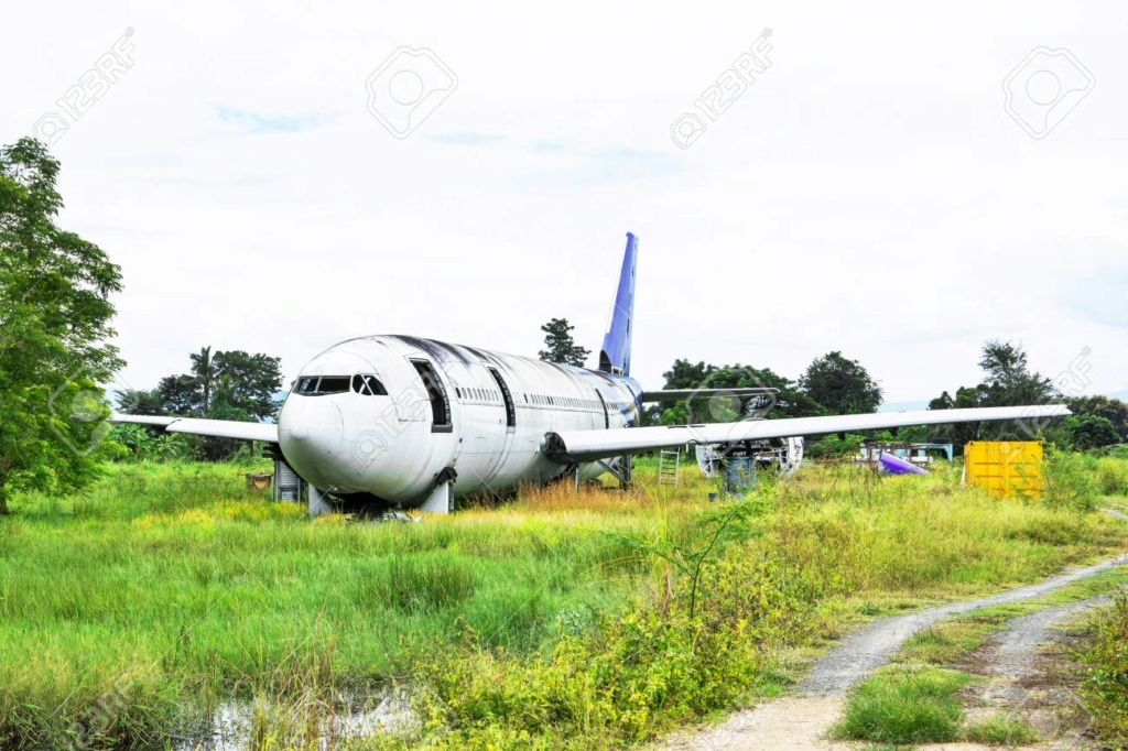 Epaves vieux avions en Thailande 10940611