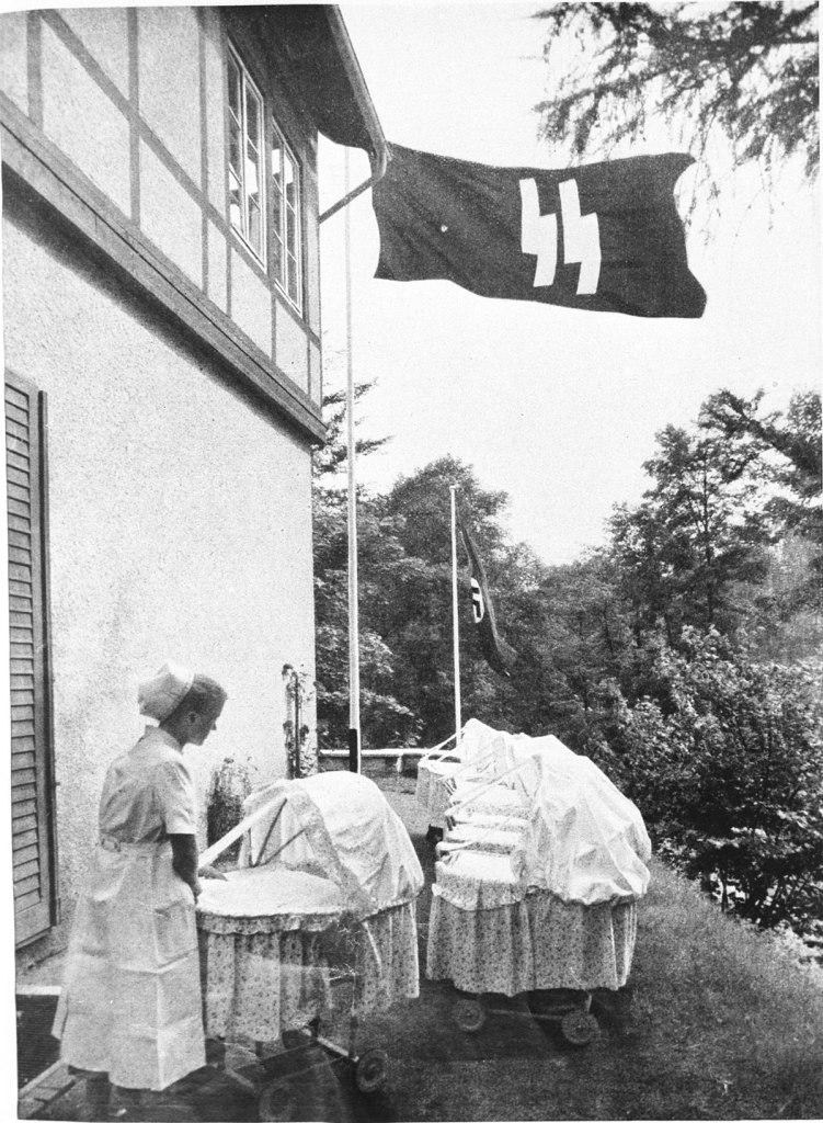 Lebensborn : les enfants volés des nazis 1200px14