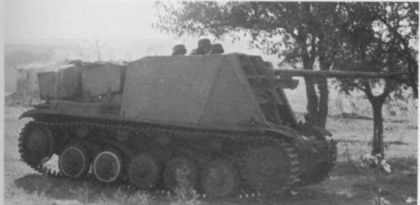 Canon fixe sur chassis de char - Page 2 1210