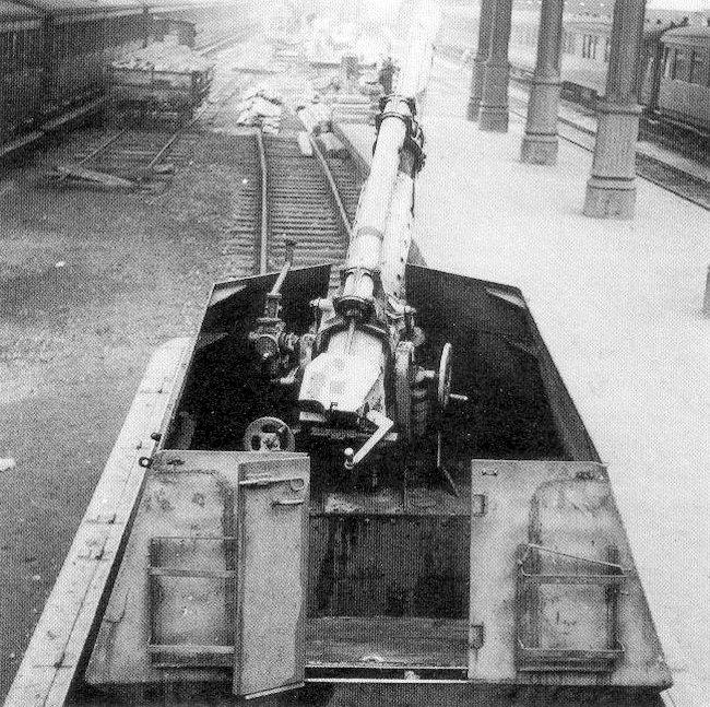 Canon fixe sur chassis de char - Page 2 122mm-11