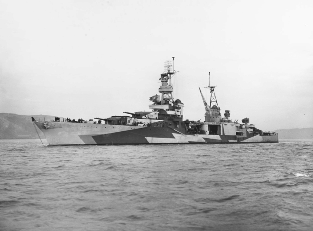 Navires US endommages par des kamikazes 1280px26