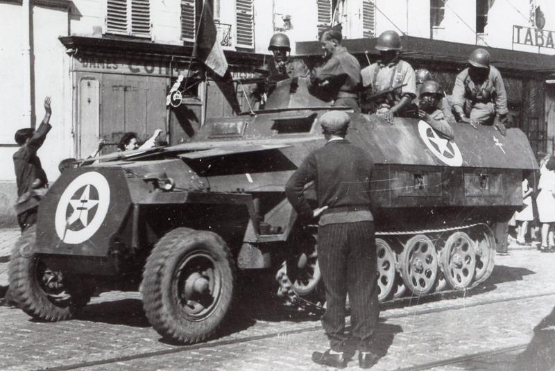 Vehicules recuperes par les FFI -1944 251_au10