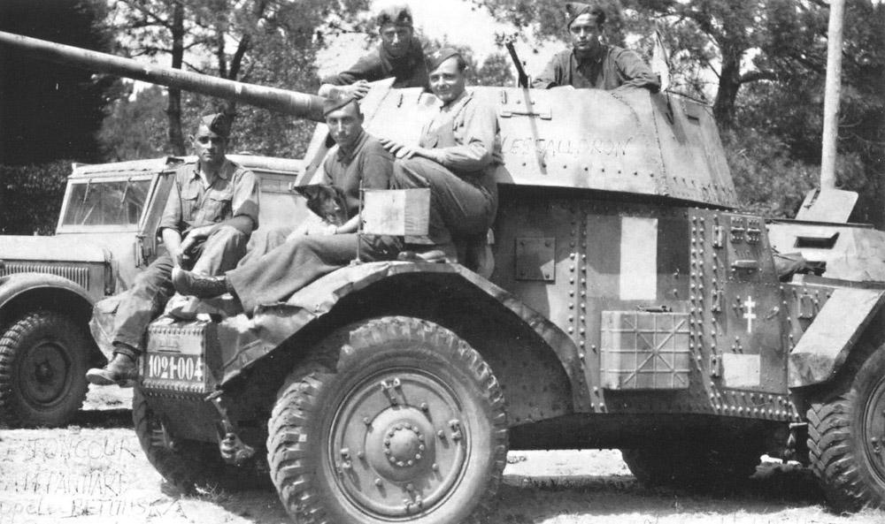 Vehicules recuperes par les FFI -1944 5_cm_p11