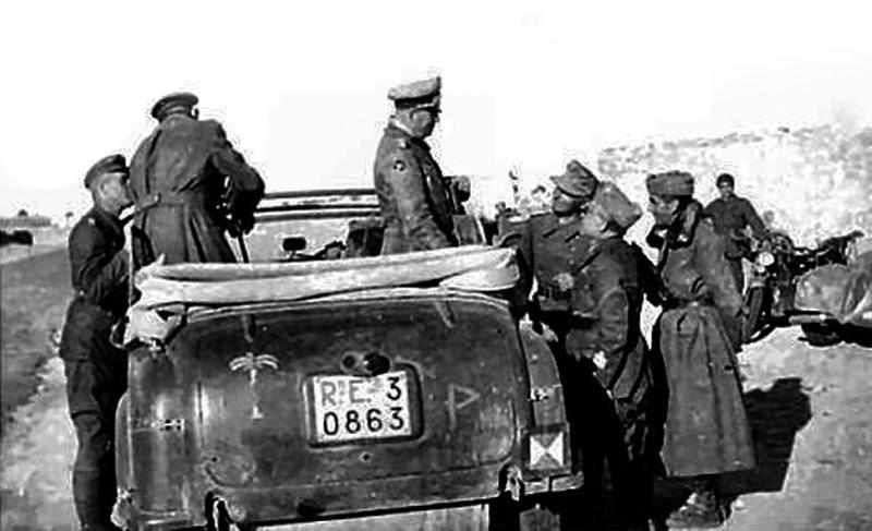 Les vehicules de Commandement de Rommel Alfa_r10