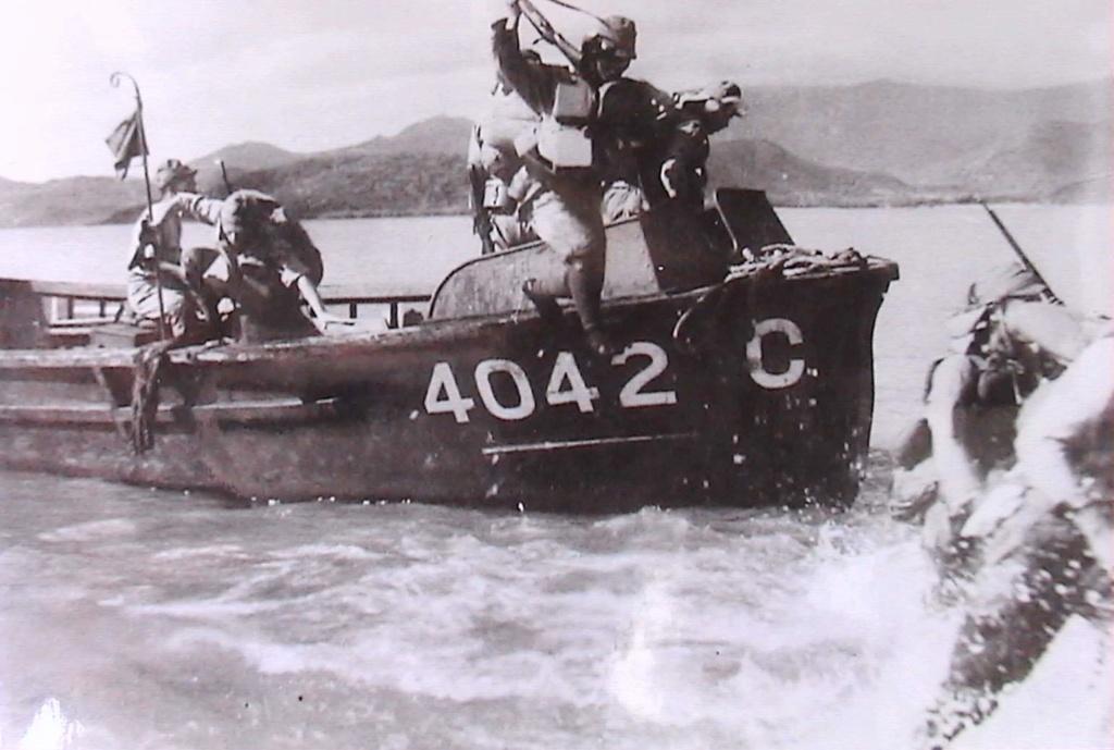 RTAF 1941-1945  (2012) Ao_man10