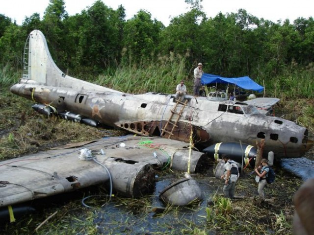 Epaves B-17 en Papouasie Nouvelle Guinee B17-fl10