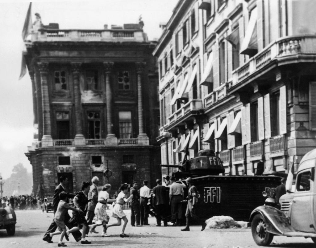 Vehicules recuperes par les FFI -1944 B1bis_10
