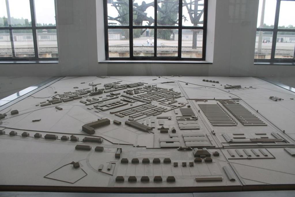 Camps d exterminations au 1/87 B_dach10