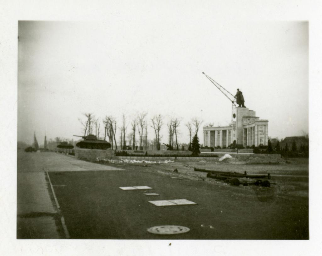 Mémorial soviétique de Tiergarten Berlin78