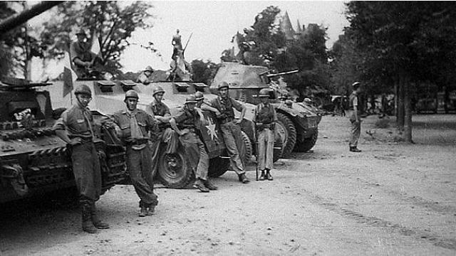 Vehicules recuperes par les FFI -1944 Besnie12