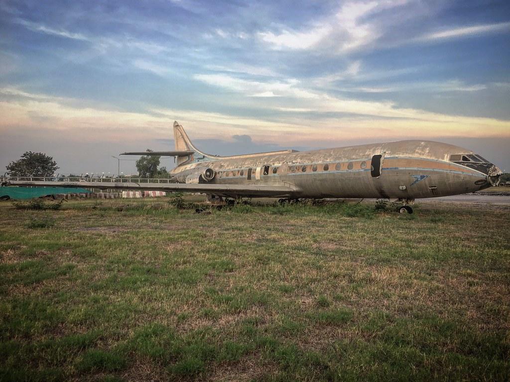 Epaves vieux avions en Thailande Carave10