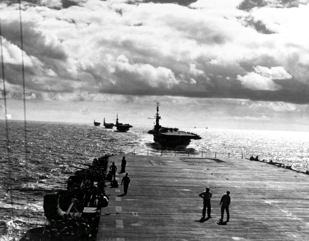 Porte-avions US et Kamikazes - Page 2 Ccc11