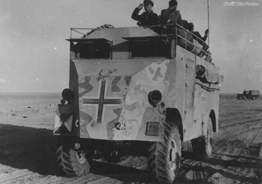 Les vehicules de Commandement de Rommel Comman13