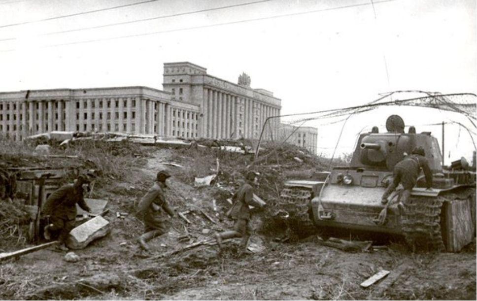 Bataille de Léningrad - Page 2 Cy-26_11