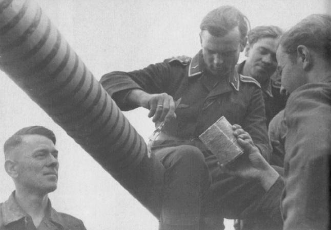 Victoires canons allemands - Page 2 Flak2014