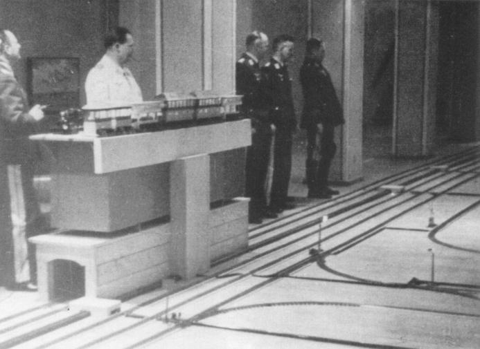 Goering passionne par les trains miniatures Goring10