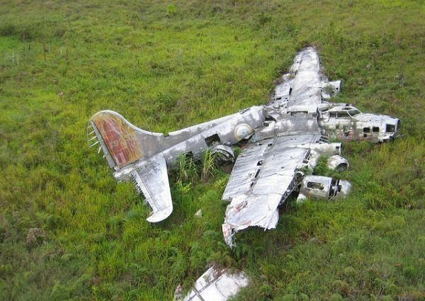 Epaves B-17 en Papouasie Nouvelle Guinee Gray_g10