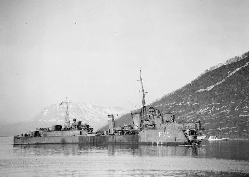 Photos navires insolites - Page 10 Hms-es10