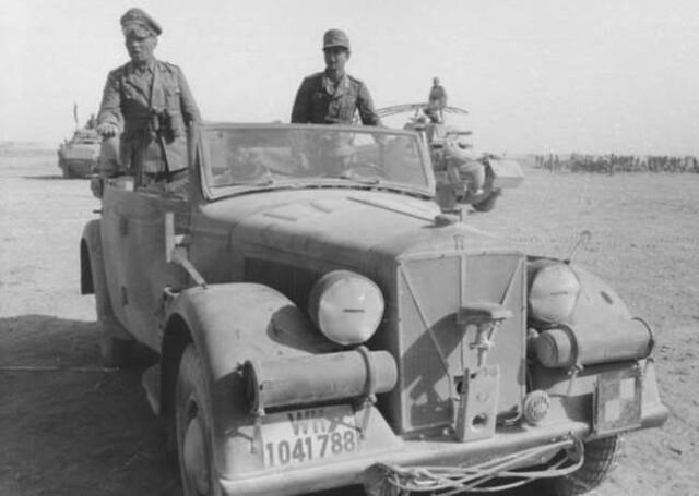 Les vehicules de Commandement de Rommel Horch_10