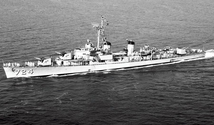 Navires US endommages par des kamikazes Laffey10