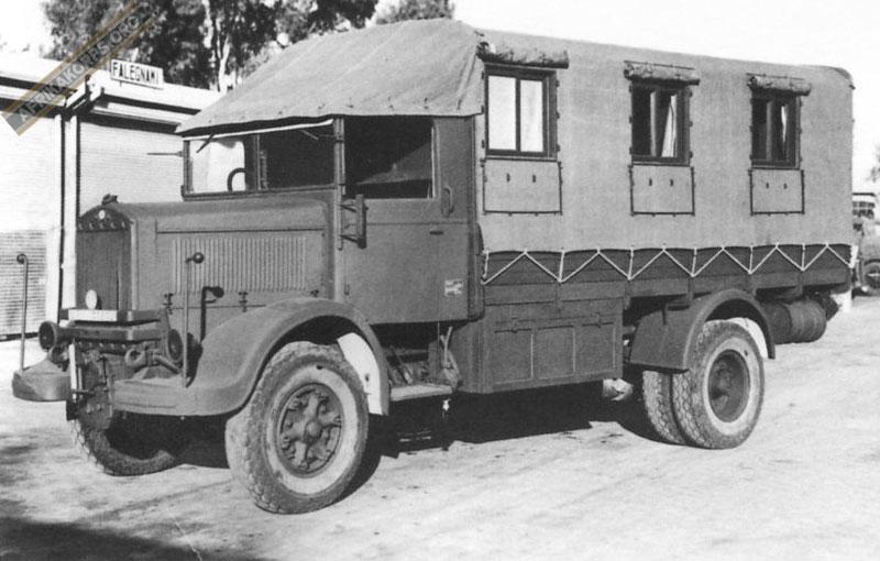Les vehicules de Commandement de Rommel Lancia11