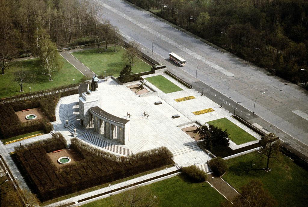 Mémorial soviétique de Tiergarten Lberli10