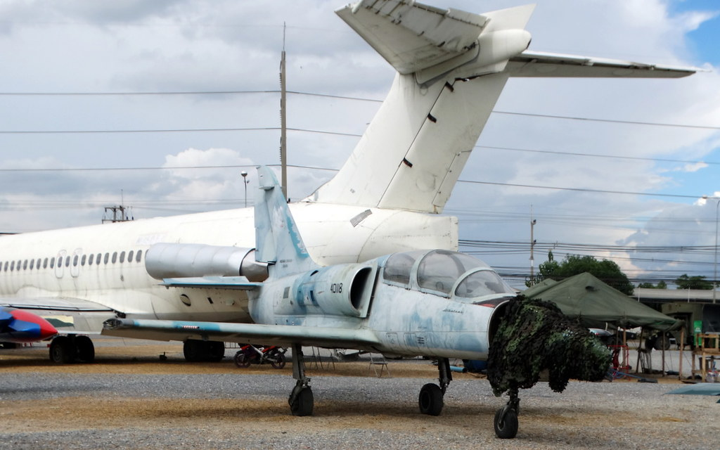 Epaves vieux avions en Thailande Nakhon12