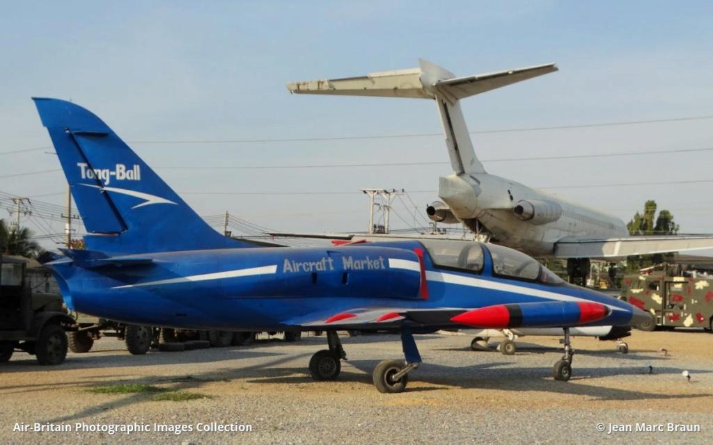 Epaves vieux avions en Thailande Nakhon17
