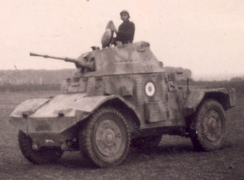 Vehicules recuperes par les FFI -1944 Panhar10