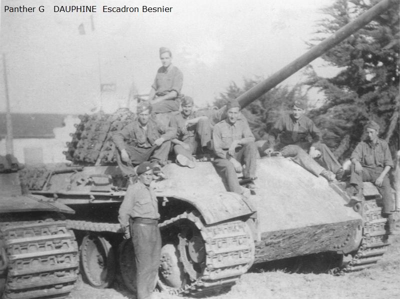 Vehicules recuperes par les FFI -1944 Panthe43