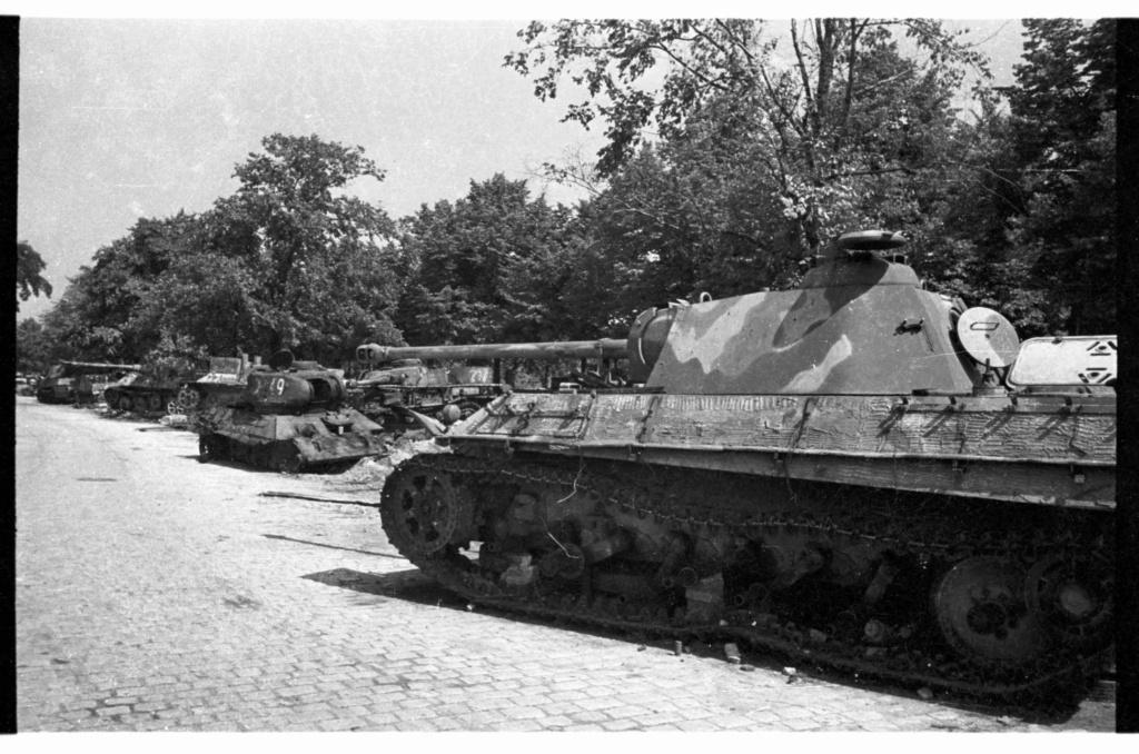 Les photos de Cecil F. S. Newman a Berlin 1945/46 Panthe44