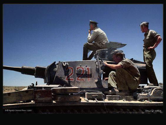 Les vehicules de Commandement de Rommel Panzr_10